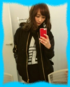 鈴木友菜の私服画像1