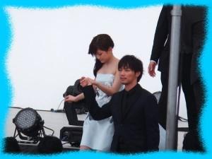 成宮寛貴と前田敦子の画像1