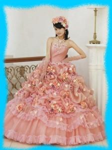 小島瑠璃子のドレス姿の画像2