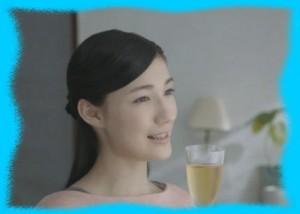 マイコのチョーヤの梅酒のCM画像1